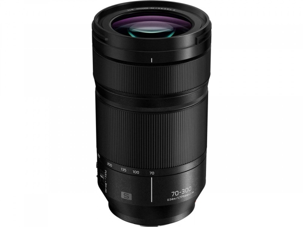 Panasonic Lumix S 70-300mm f4.5-5.6 Macro OIS Lens